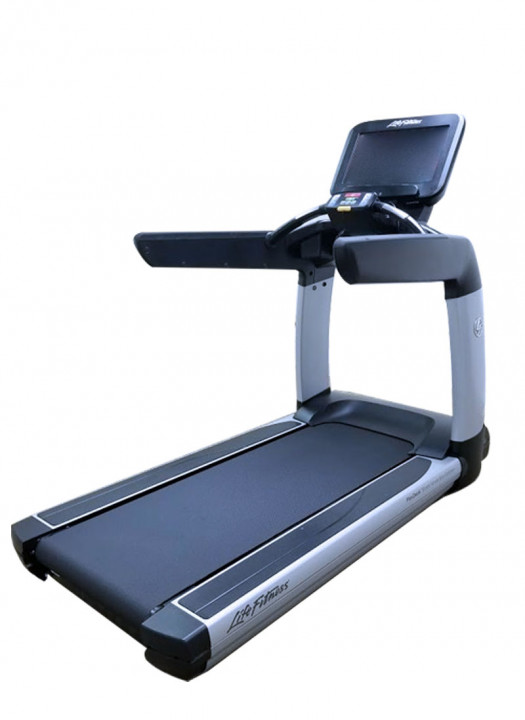 Life Fitness Discover SE Treadmill (Used)