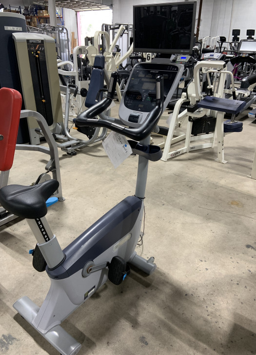 Precor UBK 835 Upright Bike (Used)