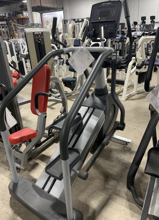 Life Fitness Integrity Series Summit Trainer (Used)